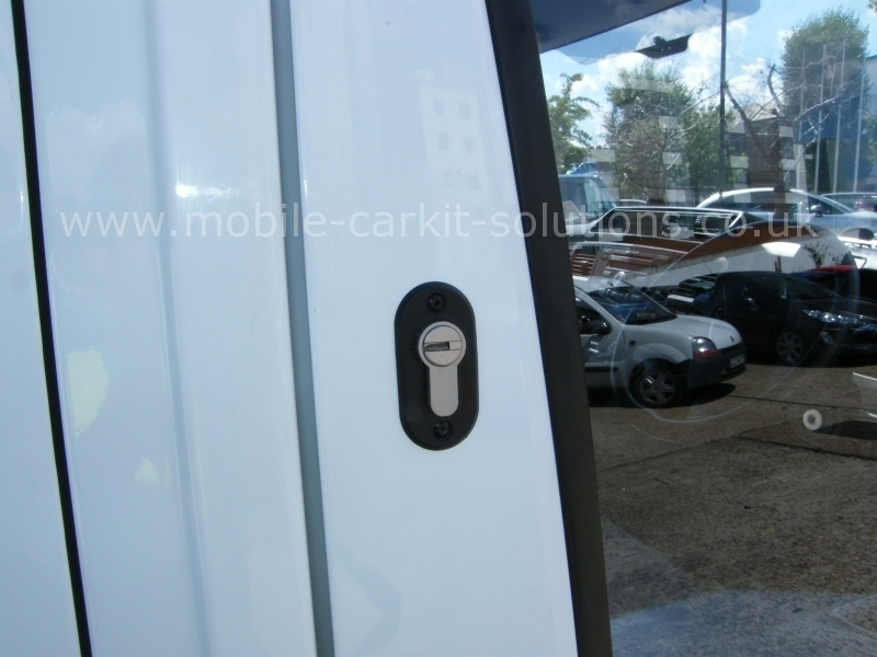 Ford Transit 2008 Cab And Load Area Deadlocks