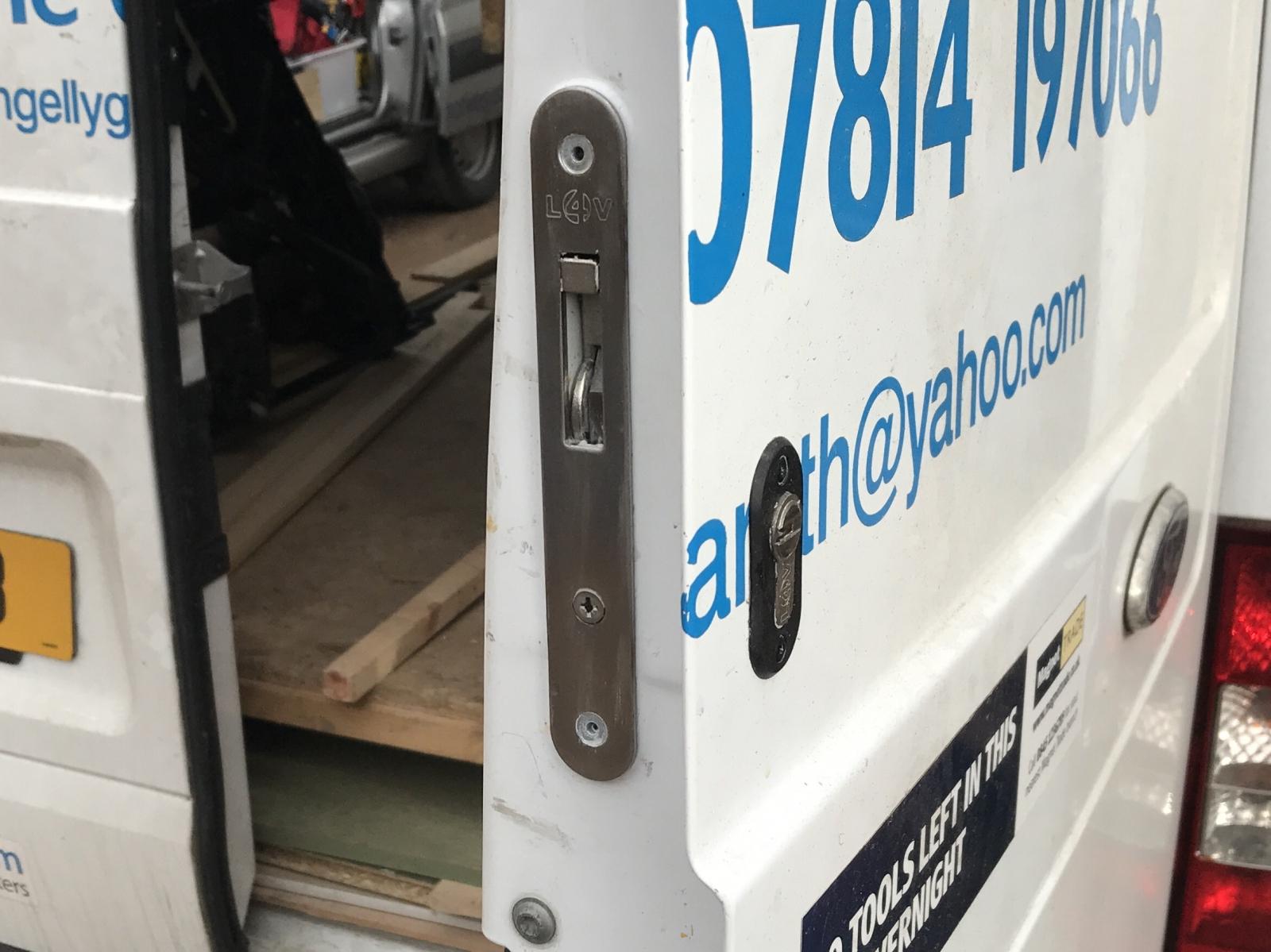Gallery New Locks 4 Vans Hook Deadlocks Hampshire