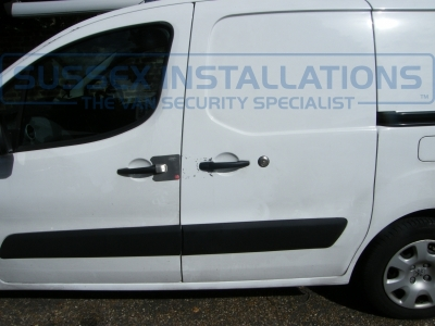 Peugeot Partner 2013 - Deadlock, Slamlock and Armaplates - Armaplate SENTINEL - PEUGEOT PARTNER - Online Shop & Worldwide Delivery - Sussex - London & The South East