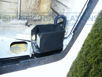 This is the night silent reverse sounder. - Ford - Transit - Transit MK7 (07-2014) - Slamlocks - Online Shop & Worldwide Delivery - Sussex - London & The South East