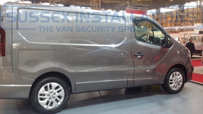 New Model Vauxhall Vivaro 2014 Offside - New Model Fords and Vauxhall Van Pictures from CV 2014 - Online Shop & Worldwide Delivery - Sussex - London & The South East