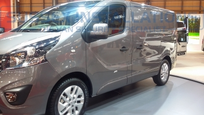 New Model Vauxhall Vivaro 2014 2900 Nearside Front - New Model Fords and Vauxhall Van Pictures from CV 2014 - Online Shop & Worldwide Delivery - Sussex - London & The South East