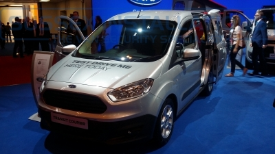 New Ford Transit Courier 2014 Front - New Model Fords and Vauxhall Van Pictures from CV 2014 - Online Shop & Worldwide Delivery - Sussex - London & The South East