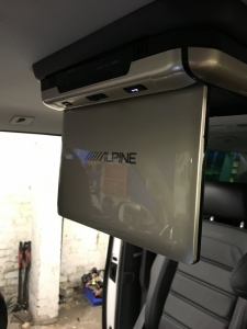 VW - Transporter / Caravelle - Transporter T6 (2015 - ON) (03/2018) - 2018 VW Transporter Alpine Drop Down Roof Monitor - MANCHESTER - GREATER MANCHESTER