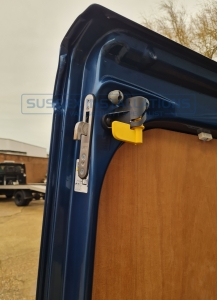 Vauxhall - Vivaro - Sussex Installations T SERIES DEADLOCKS - VAUXHALL - Online Shop & Worldwide Delivery - Sussex - London & The South East