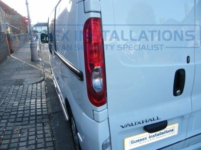 Reversing camera pictured in the N/S rear light - Vauxhall - Vivaro - Vivaro (2011 - 2014) (null/nul) - Vauxhall Vivaro 2014 Security & Sat Nav  - Online Shop & Worldwide Delivery - Sussex - London & The South East