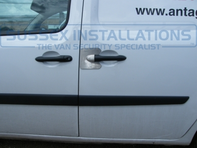 Renault - Kangoo - Kangoo - (2008 - On) (null/201) - Armaplate SENTINEL - MERCEDES CITAN - Online Shop & Worldwide Delivery - Sussex - London & The South East