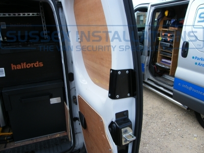 Renault - Kangoo - Kangoo - (2008 - On) - Sussex Installations T SERIES VAN DEADLOCKS GENERAL - Online Shop & Worldwide Delivery - Sussex - London & The South East