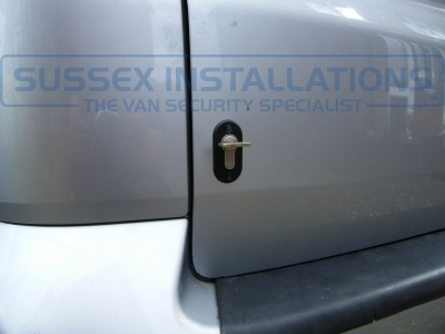 VW - Transporter / Caravelle - Deadlocks - Online Shop & Worldwide Delivery - Sussex - London & The South East