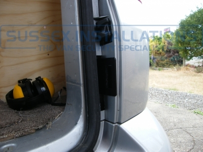 VW - Transporter / Caravelle - Sussex Installations T SERIES VAN DEADLOCKS GENERAL - Online Shop & Worldwide Delivery - Sussex - London & The South East