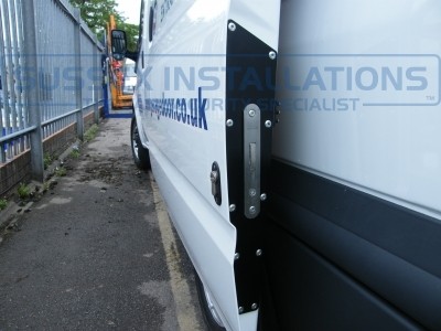 Ford - Transit - Transit MK7 (07-2014) - Sussex Installations T SERIES VAN DEADLOCKS GENERAL - Online Shop & Worldwide Delivery - Sussex - London & The South East