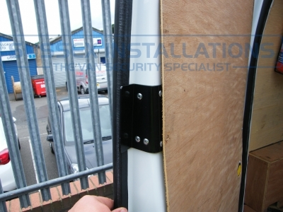 Ford - Transit Connect - Connect (2002 - 2009) (null/201) - Ford Transit Connect 2010 - Load Area T Series Deadlocks - Online Shop & Worldwide Delivery - Sussex - London & The South East