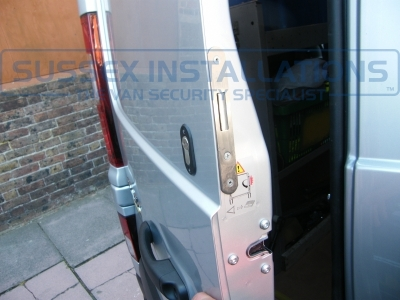 Renault - Trafic - Trafic (2014 - ON) (null/nul) - Renault Trafic 2015 - Alarm & Cab / Load T Series Deadlocks - Online Shop & Worldwide Delivery - Sussex - London & The South East