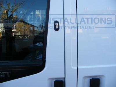 Ford - Transit - Transit MK7 (07-2014) (null/nul) - Locks 4 Vans T SERIES VAN DEADLOCKS GENERAL - Online Shop & Worldwide Delivery - Sussex - London & The South East