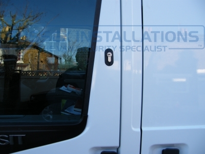Ford - Transit - Transit MK7 (07-2014) (null/nul) - Sussex Installations T SERIES VAN DEADLOCKS GENERAL - Online Shop & Worldwide Delivery - Sussex - London & The South East