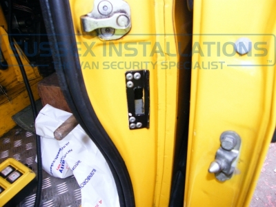 Iveco - Daily (null/200) - Iveco Daily 2005 Load Area S Series Deadlocks - Online Shop & Worldwide Delivery - Sussex - London & The South East