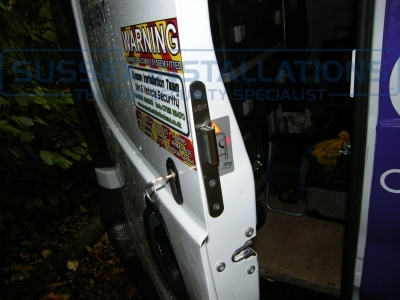 Renault - Trafic - Traffic - (2006 - 2014) - Sussex Installations T SERIES VAN DEADLOCKS GENERAL - Online Shop & Worldwide Delivery - Sussex - London & The South East