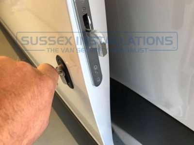 Mercedes - Sprinter - Sprinter (2018 - On) W907/W910 (null/nul) - Sussex Installations T SERIES DEADLOCKS - MERCEDES - Online Shop & Worldwide Delivery - Sussex - London & The South East
