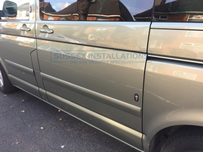 VW - Transporter / Caravelle - Transporter T5 (2003 - 2010) (03/2004) - Sussex Installations T SERIES DEADLOCKS - VW T5 & T6 - Online Shop & Worldwide Delivery - Sussex - London & The South East