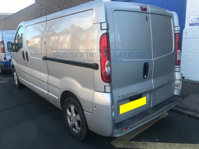 Renault Trafic 2012 (old shape) Platinum Pack + Extra Lock - Sussex Installations REN1-PP-1S-RB-D - Online Shop & Worldwide Delivery - Sussex - London & The South East
