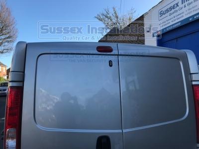 Vauxhall - Vivaro - Vivaro (2011 - 2014) - Sussex Installations VAU1-PP-1S-RB-D - Online Shop & Worldwide Delivery - Sussex - London & The South East