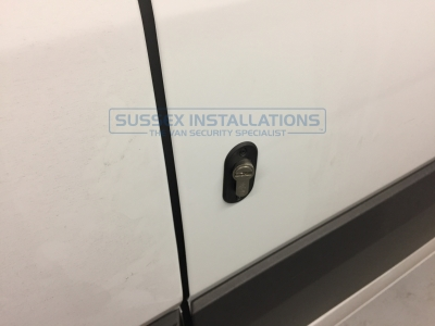 Mercedes - Sprinter - Sprinter (2006 - 2013) W906 (null/nul) - Sussex Installations T SERIES DEADLOCKS - MERCEDES - Online Shop & Worldwide Delivery - Sussex - London & The South East