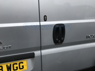 Peugeot - Boxer - Boxer - (2012 - On) (null/nul) - Sussex Installations T SERIES DEADLOCKS - PEUGEOT - Online Shop & Worldwide Delivery - Sussex - London & The South East