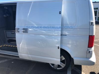 VW - Transporter / Caravelle - Transporter T6 (2015 - ON) (null/nul) - Locks 4 Vans T SERIES DEADLOCKS - VW T5 & T6 - Online Shop & Worldwide Delivery - Sussex - London & The South East