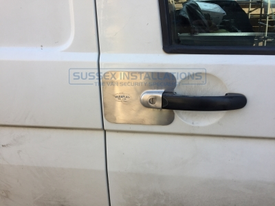VW - Transporter / Caravelle - Transporter T5 (2003 - 2010) (null/nul) - VW T5 Transporter - Armaplate and Deadlocks After Break in - Online Shop & Worldwide Delivery - Sussex - London & The South East
