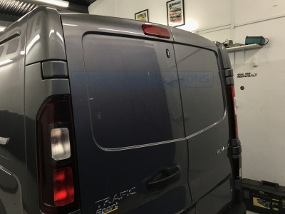 Renault - Trafic - Trafic (2014 - ON) - Sussex Installations REN5-LATCH-SHIELD TRAFIC - Online Shop & Worldwide Delivery - Sussex - London & The South East