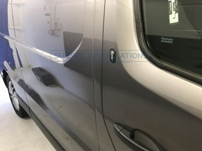 Renault - Trafic - Trafic (2014 - ON) - Locks 4 Vans T SERIES DEADLOCKS - RENAULT - Online Shop & Worldwide Delivery - Sussex - London & The South East