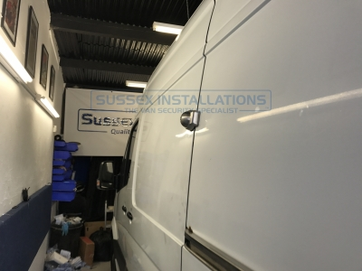 Mercedes - Sprinter - Sprinter (2006 - 2013) W906 (null/201) - Sussex Installations Meroni-A - Online Shop & Worldwide Delivery - Sussex - London & The South East