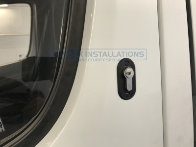 Mercedes - Sprinter - Sprinter (2006 - 2013) W906 (null/201) - Sussex Installations T SERIES DEADLOCKS - MERCEDES - Online Shop & Worldwide Delivery - Sussex - London & The South East