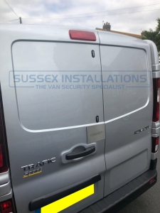 Renault - Trafic - Trafic (2014 - ON) - Sussex Installations VAU5-EXTERNAL-INTERNAL-SHIELD - Online Shop & Worldwide Delivery - Sussex - London & The South East