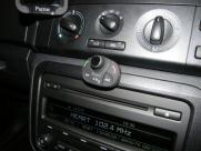 Skoda - Fabia - Fabia - (2007 - On) (01/2014) - Skoda Fabia Parrot MKI9200 Bluetooth Handsfree with music - DARLINGTON - DURHAM