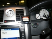 Chrysler 300 Parrot MKI9200 Bluetooth Handsfree Car Kit - Parrot MKi9200 - SUTTON COURTNEAY - OXFORDSHIRE