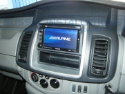 Vauxhall - Vivaro - Vivaro - (2011 - 2014) - Alpine INE-W925R -   - Sussex - London & The South East