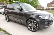 Range Rover - RangeRover Vogue - Vogue - (L405, 2013 - On) (06/2015) - Range Rover Vogue 2015  Headrest Screens Alpine DVD Changer - MANCHESTER - GREATER MANCHESTER
