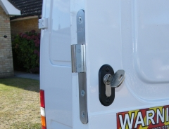 Locks 4 Vans T Series Deadlocks fully fitted Locks 4 Vans T Series deadlocks HAMPSHIRE